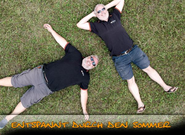 Gerald und Roland Ernst entspannen